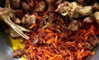 Рассыпчатый плов из свинины в кастрюле — пошаговый рецепт